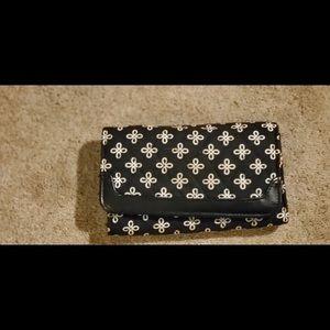 Vera Bradley H 4 L 7 wallet